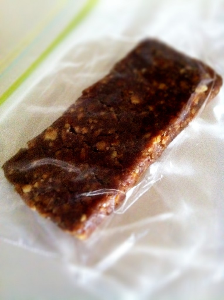 Homemade snack bars: lara bar recipe